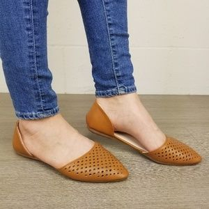 Shoes - Pointed Toe Perforated Ballerina Flat -L 13135